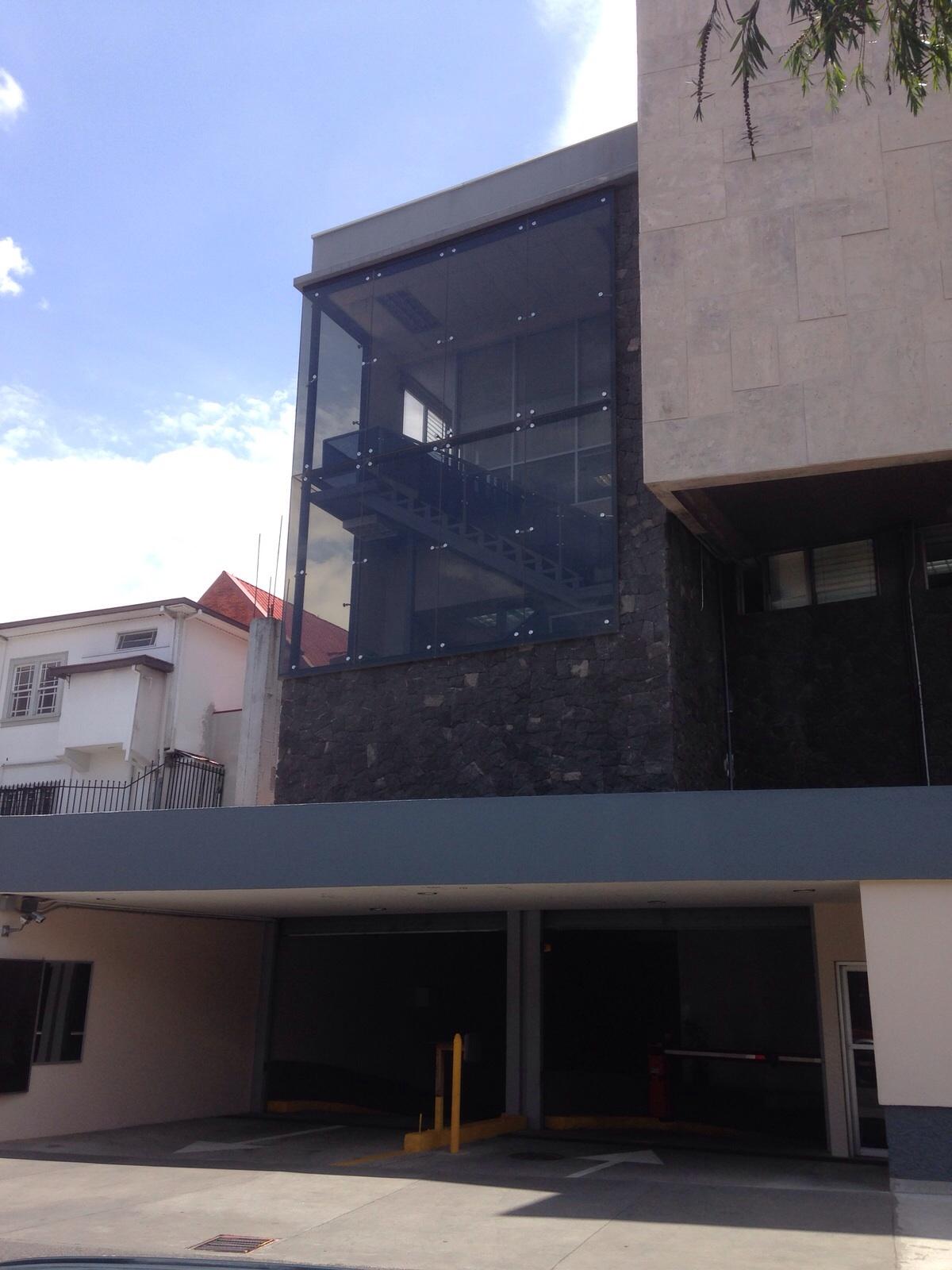 Muro cortina - Instituto nacional de seguros INS