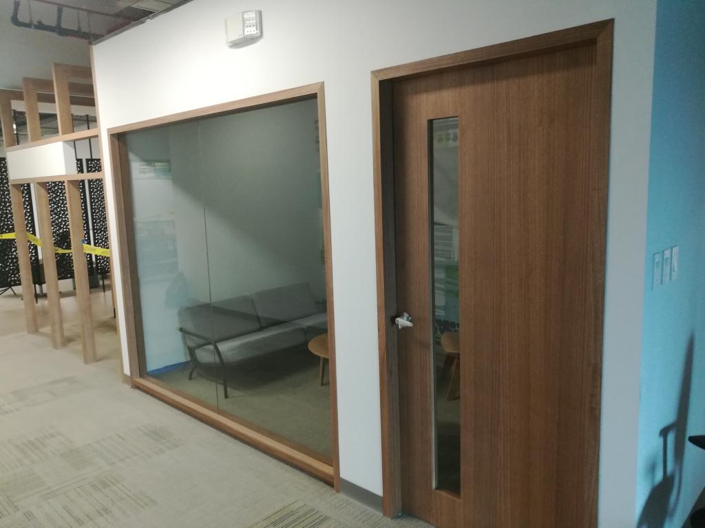 MICROSOFT Cliente: SEAR ingeniería Actividad desarrollada:  Suministro e instalación de cerramientos en vidrio y aluminio
